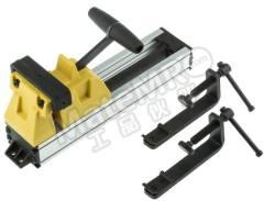 虎钳 0-83-179 台钳类型:快速夹紧虎钳 开口度:110mm 钳口深度:80mm 安装:夹 重量:1.2kg  个