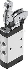 VMEF 系列 滚轮杠杆 铝合金 气动手动控制阀 VMEF-K-M52-M-G18 控制机制:滚轮杠杆 功能:5/2 连接口螺纹:G 1/8 螺纹尺寸:1/8in 螺纹标准:BSPP 制造商系列:VMEF 最大操作压力:10 bar 主体材料:铝合金 最大流量:750L/min 最低工作温度:-10°C 最高工作温度:+60°C 端口数目:5 位置数目:2  个