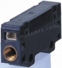 质量流量控制器 D6F-03A3-000 最大流量:0 → 3 L/min 电气连接:3 线连接器 控制输出:模拟 安装样式:紧凑型 电源电压:10.8 → 26.4 V 直流 最低工作温度:0°C 最高工作温度:+50°C  个